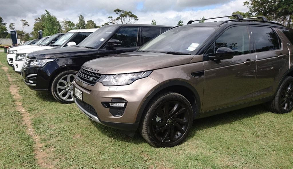 land-rover-discovery-sport-group