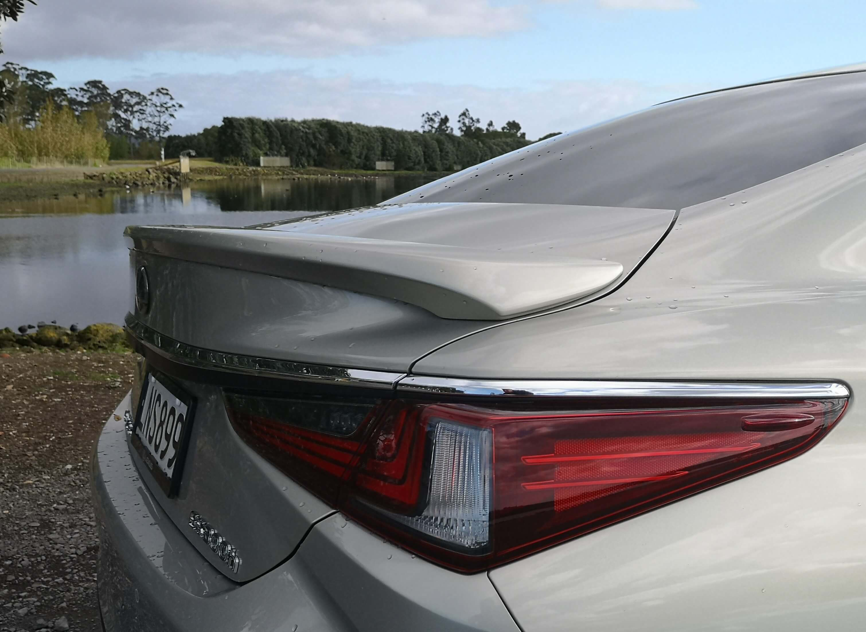 Lexus ES 300h review New Zealand