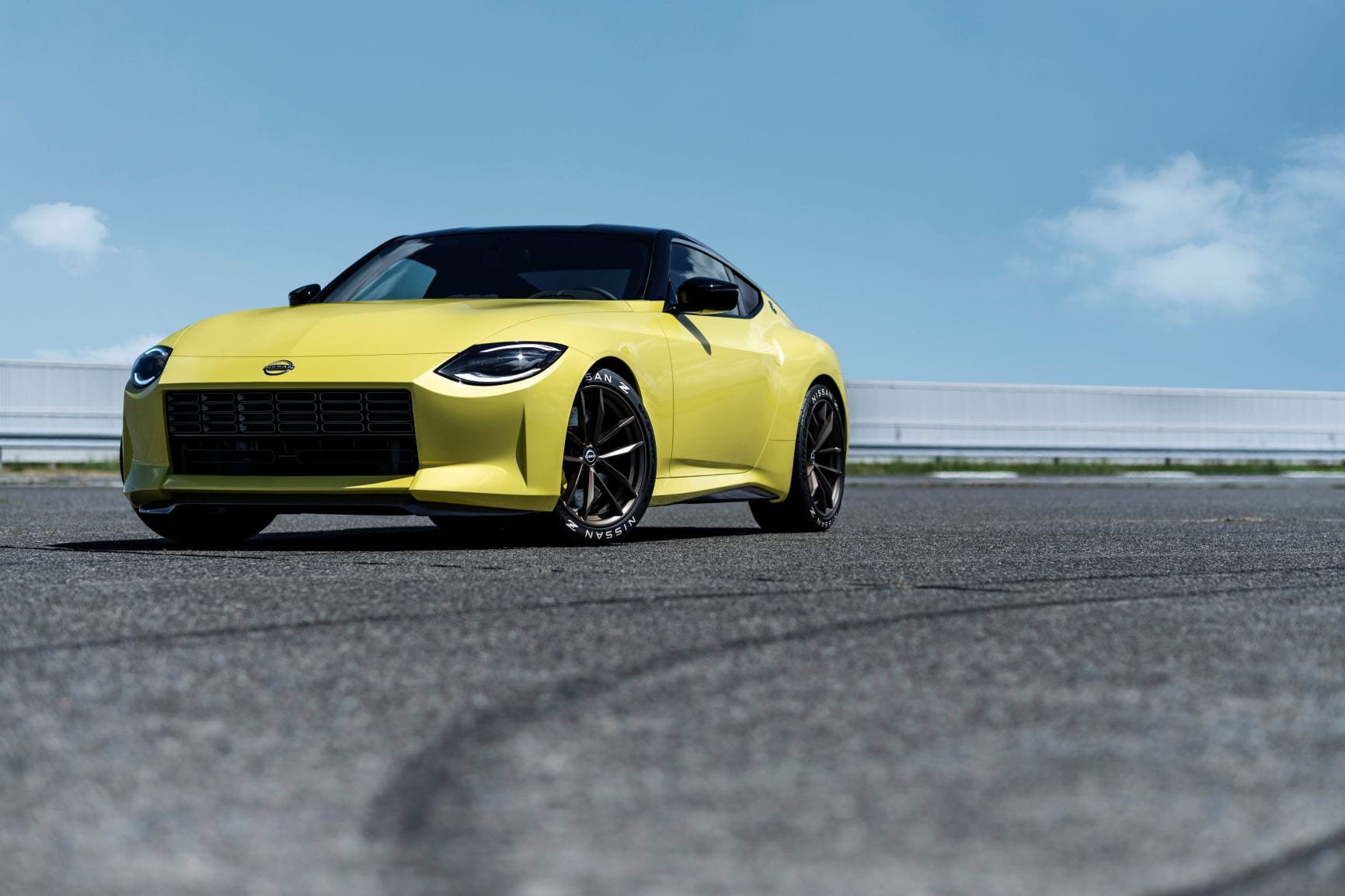 A frontal view of the Nissan Proto Z in yellow.
