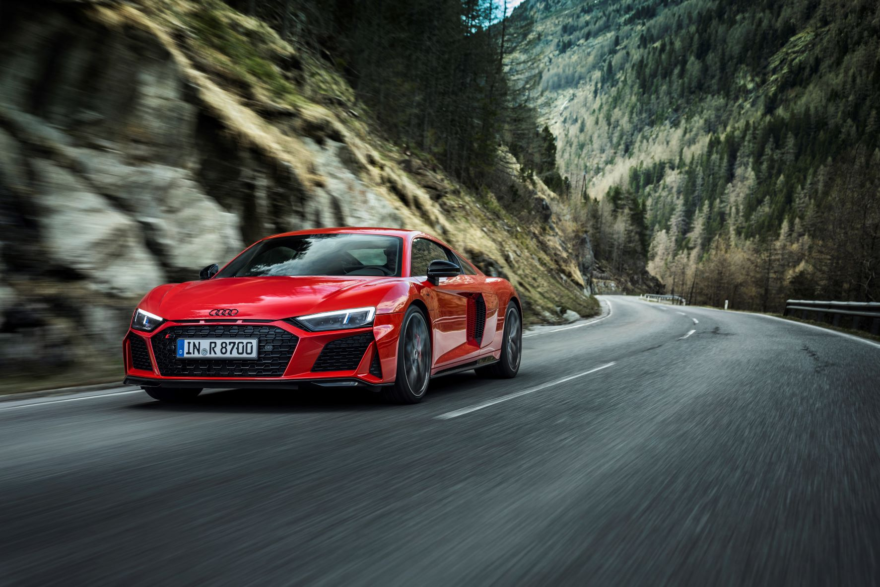 Audi R8 V10 Performance RWD Coupe on country roads